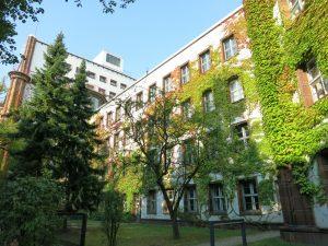 Berlin 14057 - Dernburgstraße 50 - ehemalige Oberpostdirektion, Bj. 1925-28