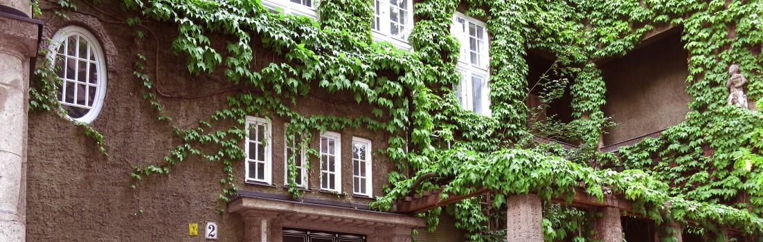 Berlin 10629 - Niebuhrstraße - Grünes Haus - Architekt Albert Gessner